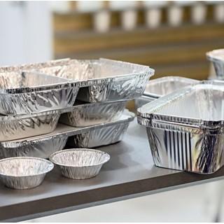 Предлагаем высококачественную одноразовую посуду из фольги для запекания и разогревания блюд в духовом шкафу и микроволновоке.